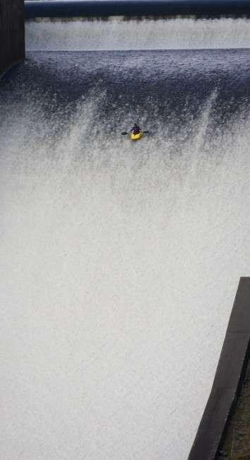 На байдарці по водосливу (3 фото)