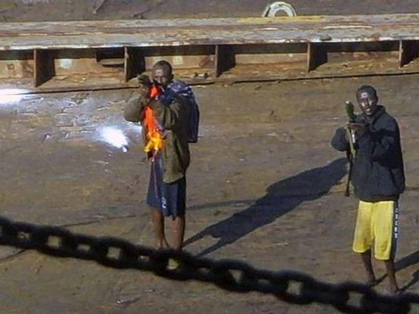 Китайські моряки проти сомалійських піратів (6 фото)
