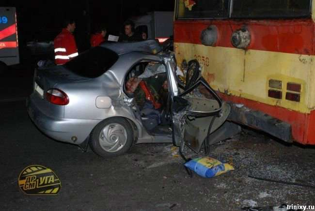 Жесть. Аварія в Києві (10 фото не для слабкодухих)