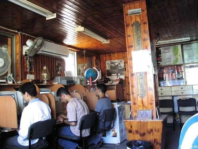 Інтернет-кафе в різних точках світу (45 фото)