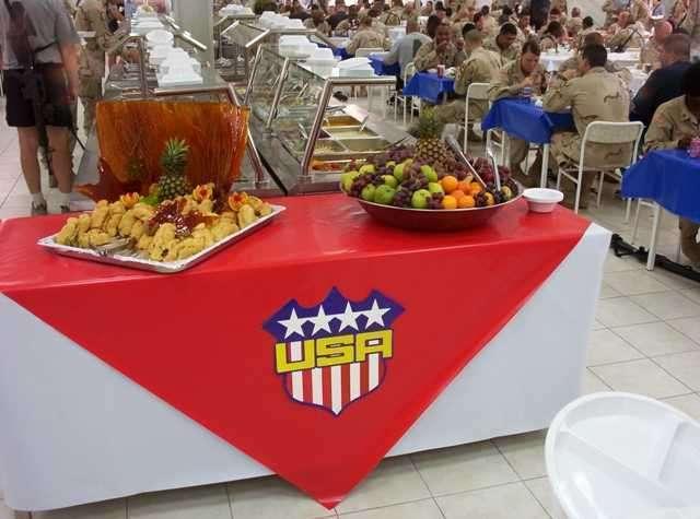 Вечеря американських солдатів в Іраку (32 фото)