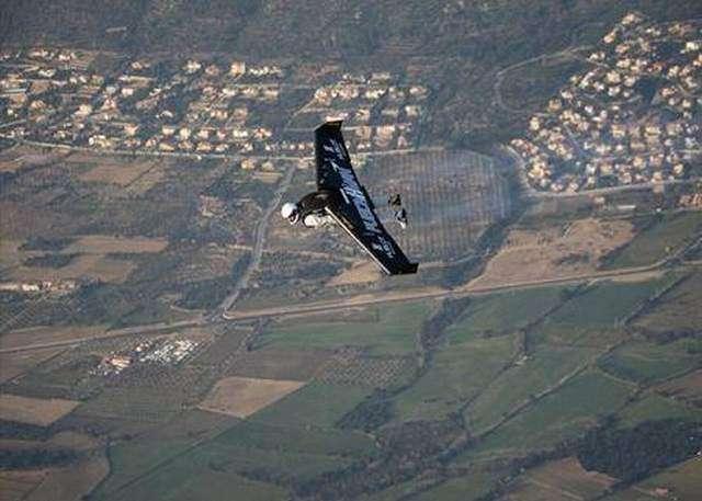 Незвичайні літаючі засоби (18 фото)