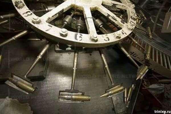 Фабрика з виробництва автоматів (14 фото)