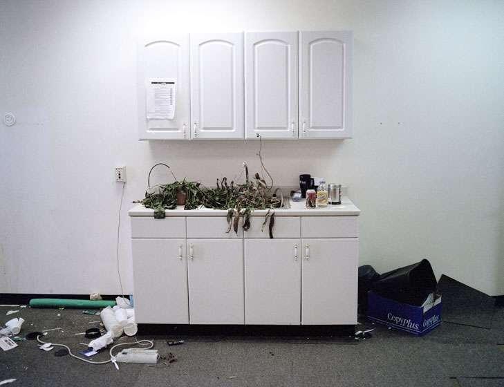 Спорожнілі офіси (14 фото)