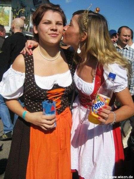 Дівчата Октоберфесту (76 фото)