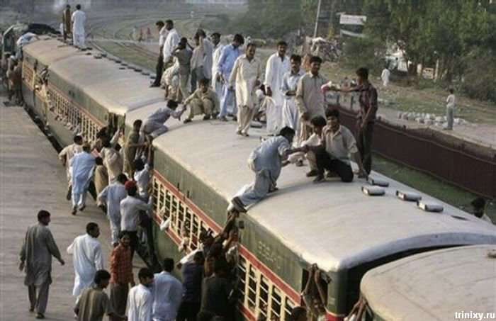 Потяги в Пакистані (10 фото)
