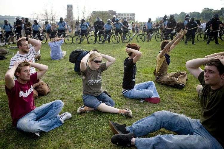 Заворушення під час конвенції республіканців у США (9 фото)