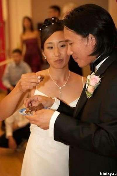 Тортик на весіллі фанатів зоряних воїн (5 фото)