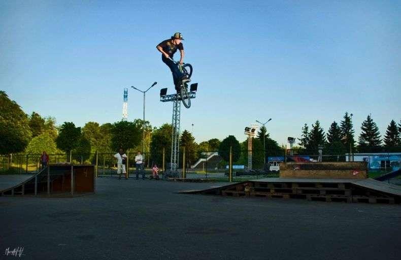 На велосипеді (14 фото)