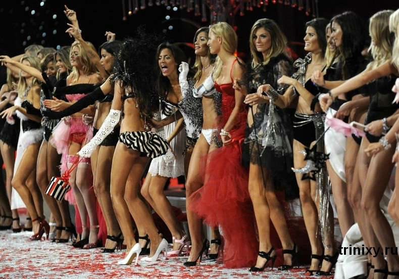 Victorias Secret Fashion Show 2008 Частина 2 (99 фото)
