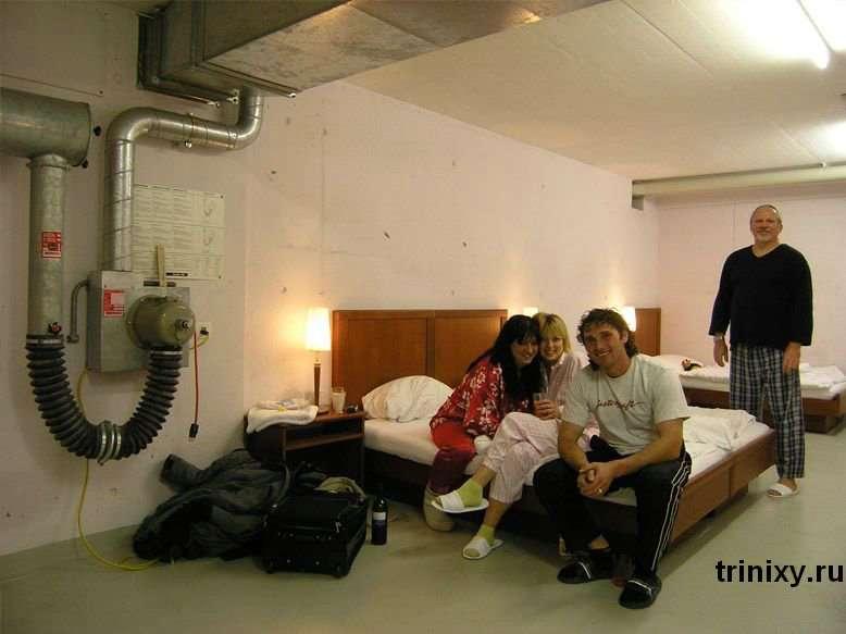 Нуль-зірковий готель у Швейцарії (9 фото)