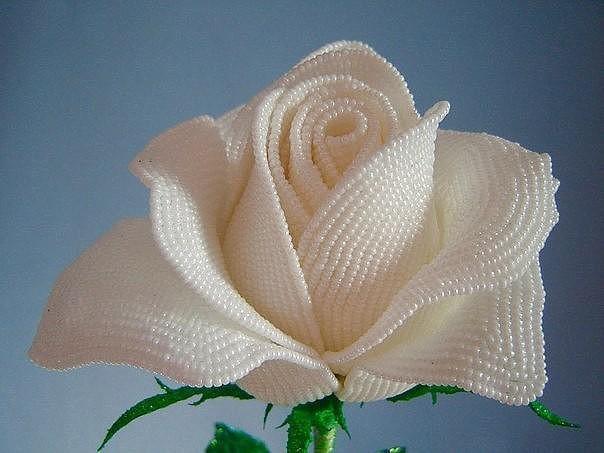 Делаем розу из бисера бисероплетение