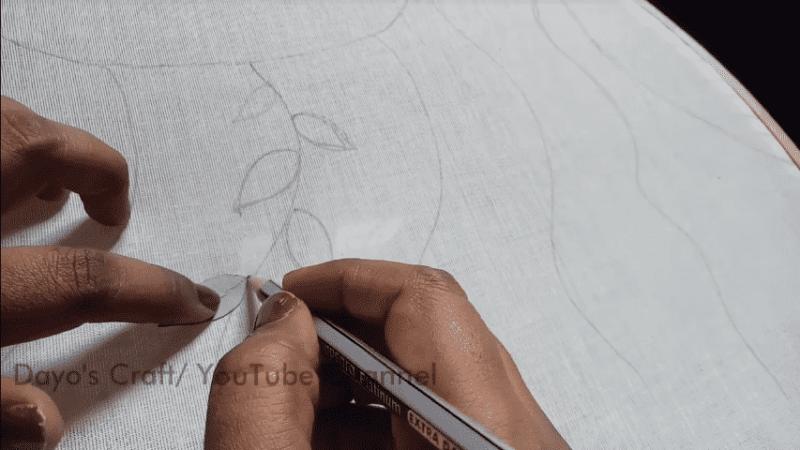 Простая техника красочной объёмной вышивки на одежде вдохновение