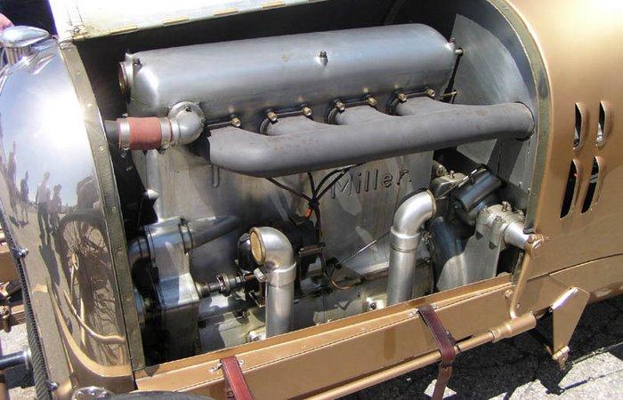 Ретро-автомобиль, опередивший время золотая подводная лодка