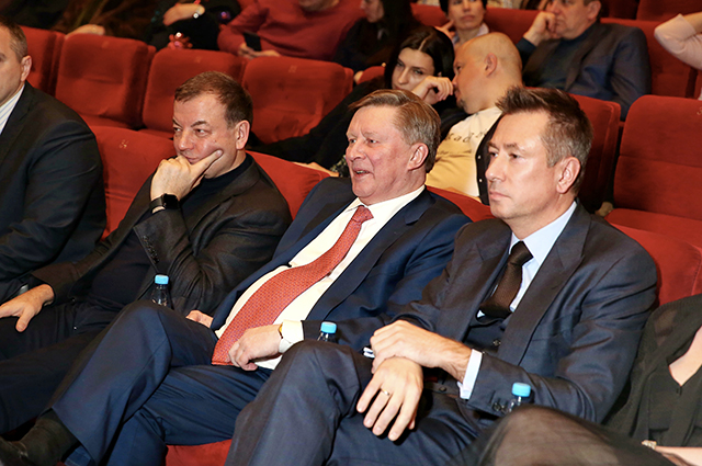 Марина Зудина, Дарья Мороз, Светлана Немоляева и другие на премьере фильма