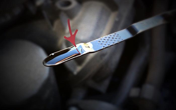3 популярные ошибки, которые допускают водители, осуществляя замену масла самостоятельно