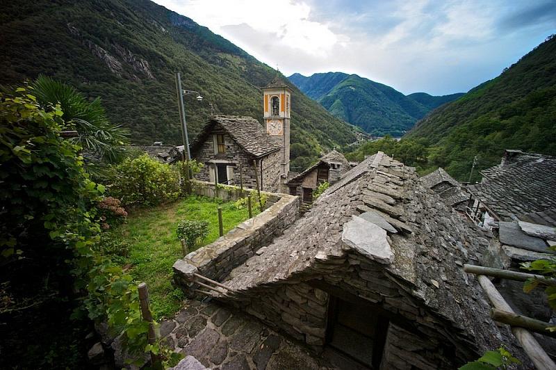 Кориппо – швейцарская деревня, которую превратят в гостиницу авиатур