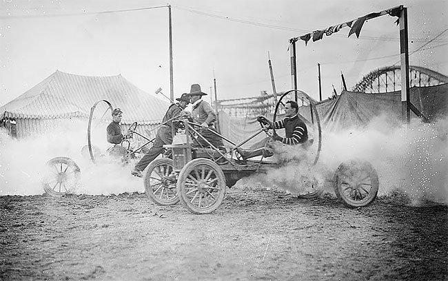 Автополо: опасный вид автоспорта начала XX века, в который играли рисковые парни автомобили