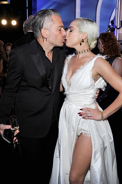 Леди Гага разорвала помолвку со своим женихом Кристианом Карино Звездные пары