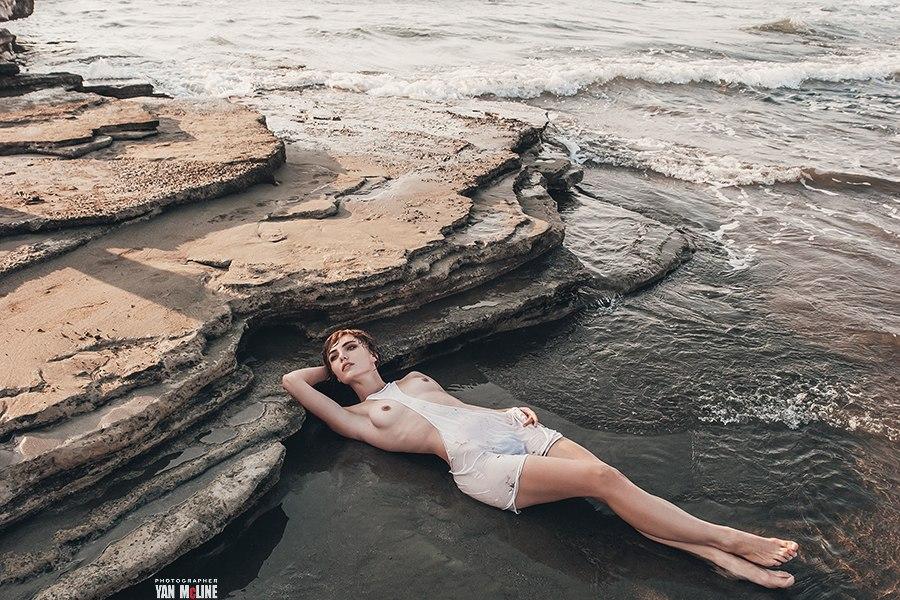 Ню-работы этого фотографа пользуются бешеным спросом! Фотография
